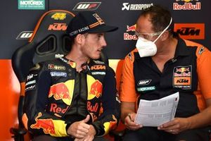 Pol Espargaro, Red Bull KTM Factory Racing, mit Paul Trevathan