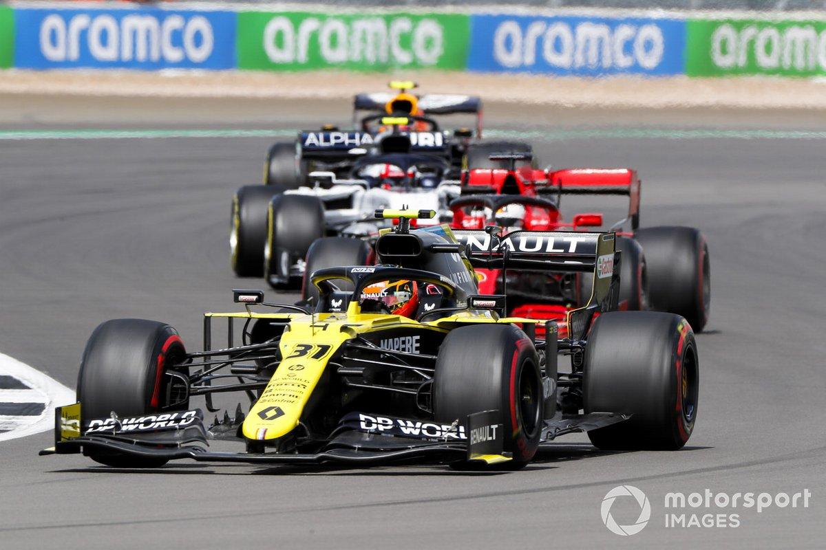 Esteban Ocon, Renault F1 Team R.S.20, Kimi Raikkonen, Alfa Romeo Racing C39, e Pierre Gasly, AlphaTauri AT01