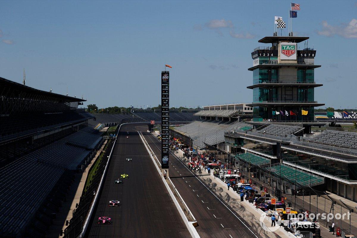 Jack Harvey, Meyer Shank Racing Honda, Tony Kanaan, A.J. Foyt Enterprises Chevrolet, Dalton Kellett, A.J. Foyt Enterprises Chevrolet