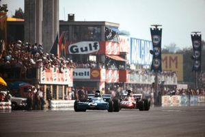 Francois Cevert, Tyrrell 002 Ford, Ronnie Peterson, March 711 Ford