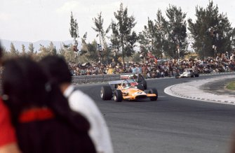 Peter Gethin, McLaren M14A Ford, leads John Surtees, Surtees TS7 Ford and Jackie Oliver, BRM P153