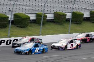 Matt Kenseth, Chip Ganassi Racing, Chevrolet Camaro Credit One Bank and Denny Hamlin, Joe Gibbs Racing, Toyota Camry FedEx Ground