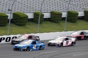 Matt Kenseth, Chip Ganassi Racing, Chevrolet Camaro Credit One Bank, Denny Hamlin, Joe Gibbs Racing, Toyota Camry FedEx Ground