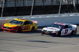 Denny Hamlin, Joe Gibbs Racing, Toyota Camry, Joey Logano, Team Penske, Ford Mustang