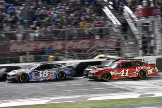 David Ragan, Front Row Motorsports, Ford Mustang Select Blinds,Daniel Suarez, Stewart-Haas Racing, Ford Mustang Coca-Cola
