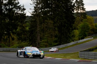 #4 Audi Sport Team Phoenix Audi R8 LMS: Marcel Fässler, Rahel Frey