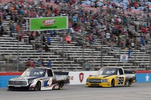 Todd Gilliland, Kyle Busch Motorsports, Toyota Tundra Mobil 1, Grant Enfinger, ThorSport Racing, Ford F-150