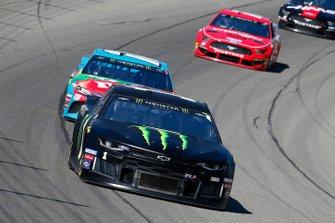 Kurt Busch, Chip Ganassi Racing, Chevrolet Camaro Monster Energy and Kyle Busch, Joe Gibbs Racing, Toyota Camry M&M's Hazelnut