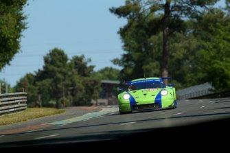 #99 Dempsey Proton Competition Porsche 911 RSR: Patrick Long, Tracey Krohn, Niclas Jönsson