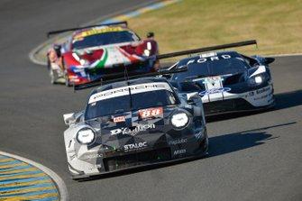#88 Dempsey Proton Competition Porsche 911 RSR: Matteo Cairoli, Giorgio Roda, Satoshi Hoshino, #66 Ford Chip Ganassi Racing Ford GT: Stefan Mücke, Olivier Pla, Billy Johnson