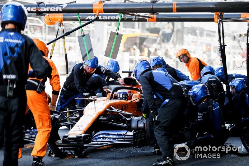 Pit stop di Carlos Sainz Jr., McLaren MCL34