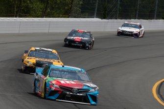 Kyle Busch, Joe Gibbs Racing, Toyota Camry M&M's Hazelnut Erik Jones, Joe Gibbs Racing, Toyota Camry DeWalt