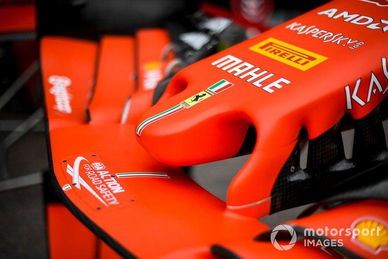 Ferrari SF90, ala anteriore