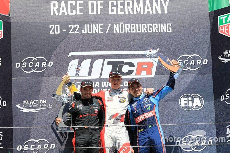 Podium: Race winner Johan Kristoffersson, SLR Volkswagen Volkswagen Golf GTI TCR, second place Frédéric Vervisch, Comtoyou Team Audi Sport Audi RS 3 LMS, third place Augusto Farfus, BRC Hyundai N LUKOIL Racing Team Hyundai i30 N TCR