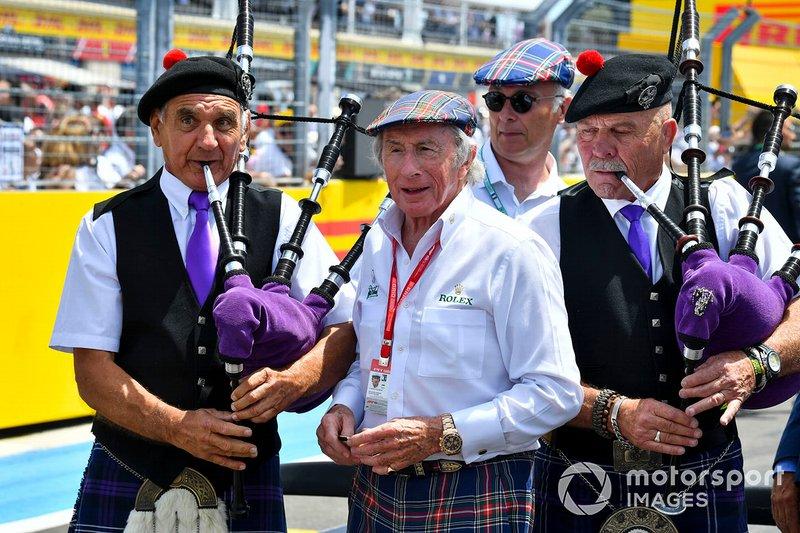 Jackie Stewart Fotografía de cumpleaños con los pilotos y los principios del equipo