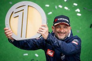 Race winner Gabriele Tarquini, BRC Hyundai N Squadra Corse Hyundai i30 N TCR
