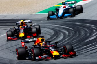 Max Verstappen, Red Bull Racing RB15, leads Pierre Gasly, Red Bull Racing RB15, and Robert Kubica, Williams FW42