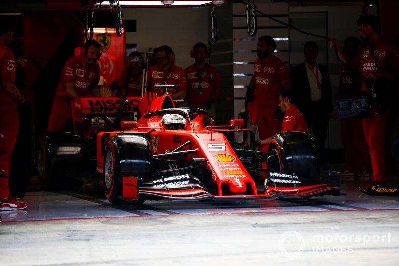Sebastian Vettel, Ferrari SF90, sort du garage
