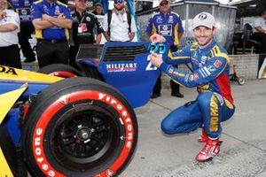 Alexander Rossi, Andretti Autosport Honda celebrates winning the NTT P1 Award