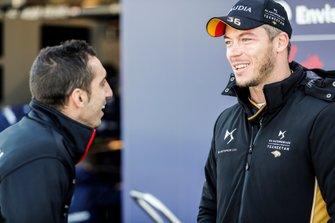 Sébastien Buemi, Nissan e.Dams, chats to Andre Lotterer, DS TECHEETAH