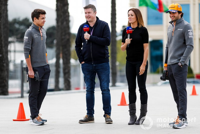 Carlos Sainz Jr., McLaren and Lando Norris, McLaren compete on a Sky TV Challenge with Natalie Pinkham, Sky TV and David Croft, Sky TV