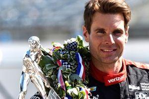 Will Power, Team Penske Chevrolet con el Trofeo Borg-Warner
