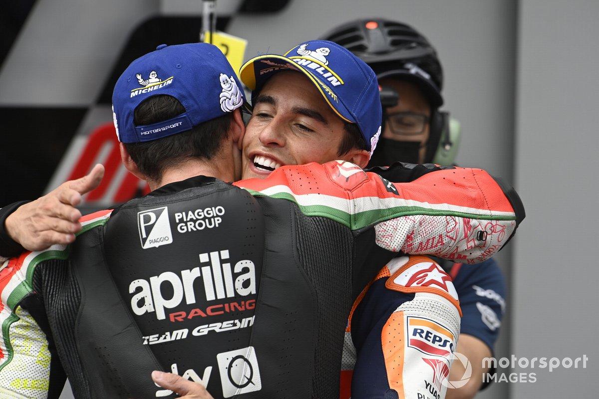 Ganador Marc Márquez, Repsol Honda Team, Aleix Espargaró, Aprilia Racing Team Gresini