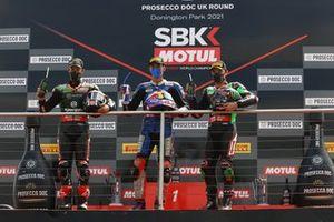 Podio: secondo classificato Jonathan Rea, Kawasaki Racing Team WorldSBK, Race winner Toprak Razgatlioglu, PATA Yamaha WorldSBK Team, terzo classificato Alex Lowes, Kawasaki Racing Team WorldSBK