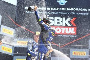 1. Dominique Aegerter, Ten Kate Racing Yamaha, 2. Luca Bernardi, CM Racing
