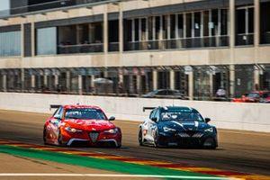 Rodrigo Baptista, Romeo Ferraris-M1RA, Alfa Romeo Giulia ETCR e Mikel Azcona, Zengő Motorsport X CUPRA, Cupra e-Racer