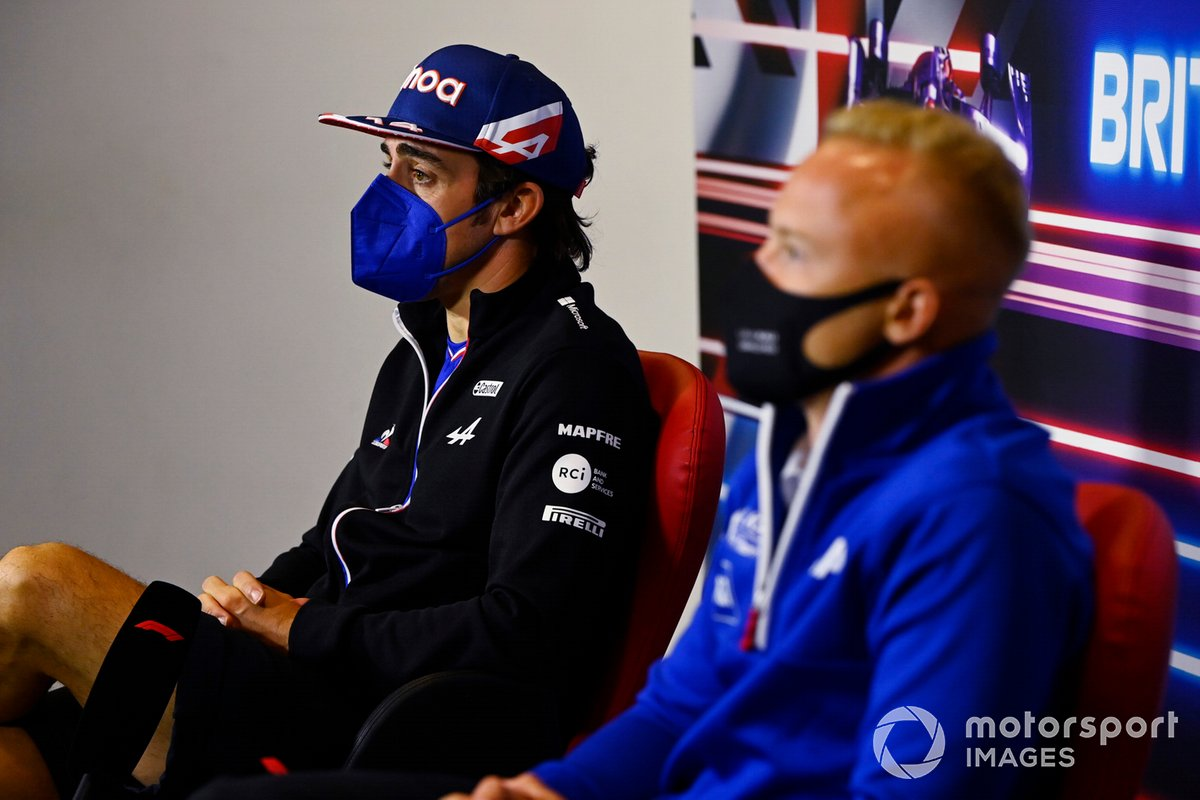 Fernando Alonso, Alpine F1, Nikita Mazepin, Haas F1, en la conferencia de prensa