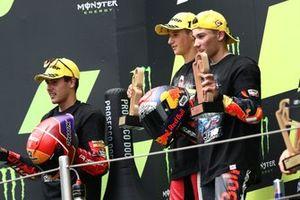 Podio: il vincitore della gara Sergio Garcia, Aspar Team Moto3, secondo classificato Jeremy Alcoba, Team Gresini Moto3, terzo classificato Deniz Oncu, Red Bull KTM Tech 3