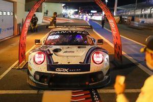 #22 GPX Racing Porsche 911 GT3-R: Matt Campbell, Earl Bamber, Mathieu Jaminet