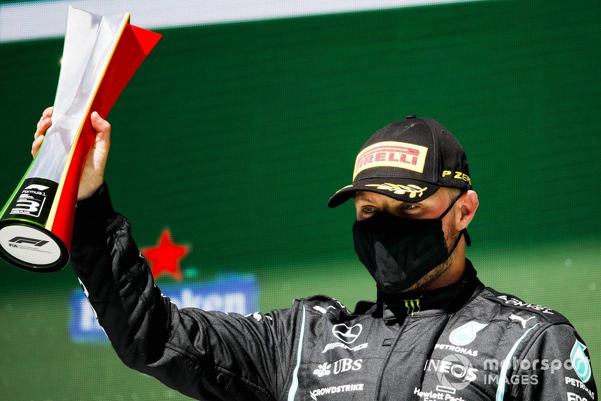 Podio: el tercer lugar Valtteri Bottas, Mercedes