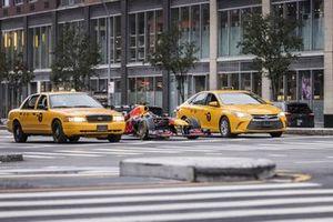 El RB7 de Red Bull Racing en la ciudad de Nueva York