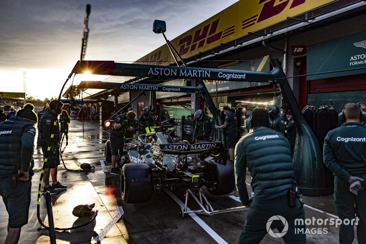 Práctica de parada en boxes de Aston Martin