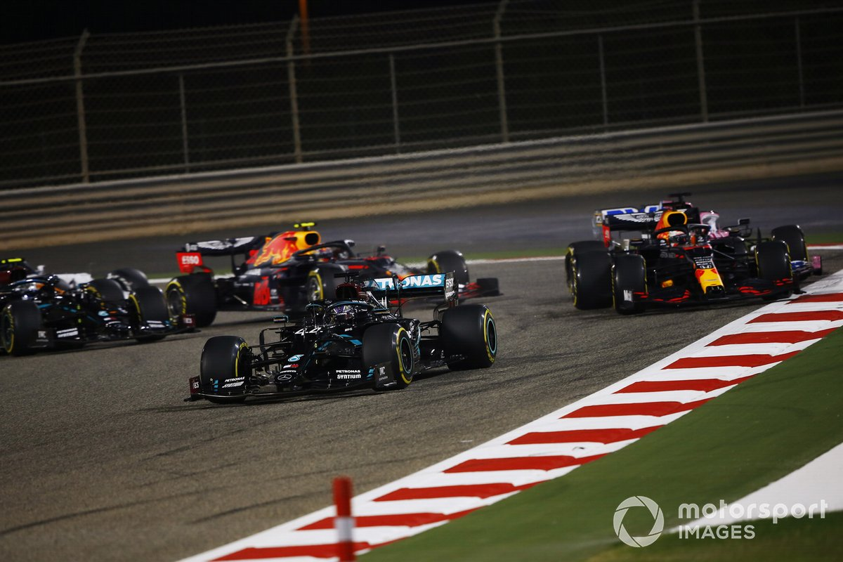 Lewis Hamilton, Mercedes F1 W11, Max Verstappen, Red Bull Racing RB16, Sergio Pérez, Racing Point RP20, Alex Albon, Red Bull Racing RB16 y Valtteri Bottas, Mercedes F1 W11