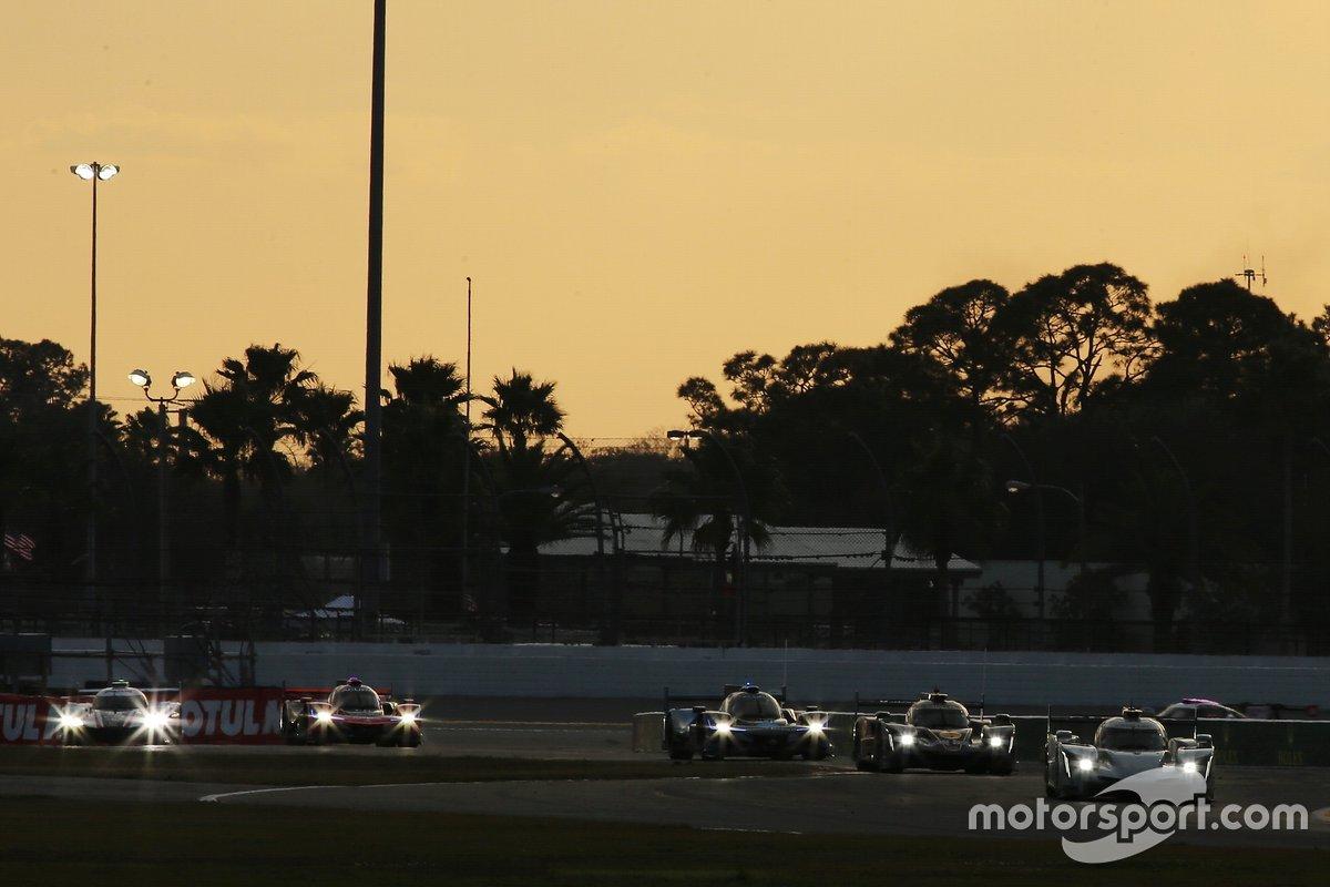 #01 Chip Ganassi Racing Cadillac DPi: Renger van der Zande, Scott Dixon, Kevin Magnussen leads