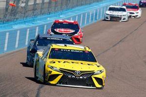 Kyle Busch, Joe Gibbs Racing, Toyota Camry STANLEY, Aric Almirola, Stewart-Haas Racing, Ford Mustang Pit Boss