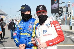 Todd Gilliland, Front Row Motorsports, Ford F-150 Speedco David Gilliland, David Gilliland Racing, Ford F-150 Black's Tire