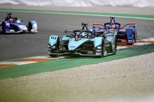 Sam Bird, Jaguar Racing, Jaguar I-TYPE 5, Robin Frijns, Envision Virgin Racing, Audi e-tron FE07