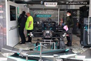 Jaguar Racing garaje