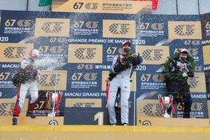 Podium: Hon Chio Leong, Smartlife Racing