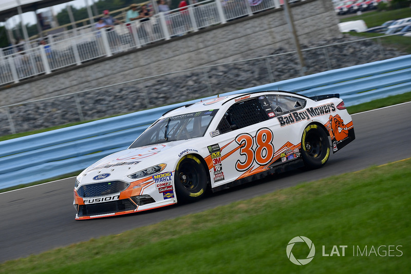 25. David Ragan, Front Row Motorsports, Ford Fusion Bad Boy Mowers