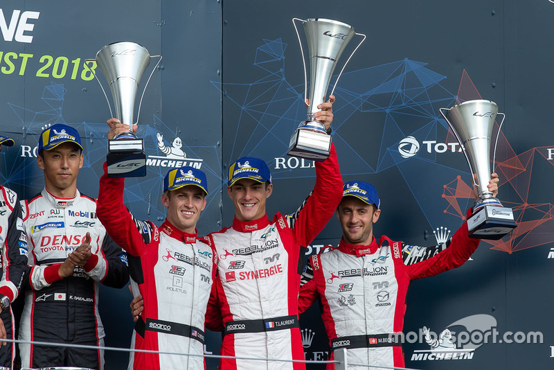 Podio: tercero #3 Rebellion Racing Rebellion R-13: Mathias Beche, Gustavo Menezes, Thomas Laurent