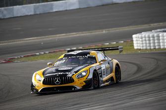 №88 Akka ASP Team Mercedes-AMG GT3: Раффаэле Марчелло, Майкл Мидоус