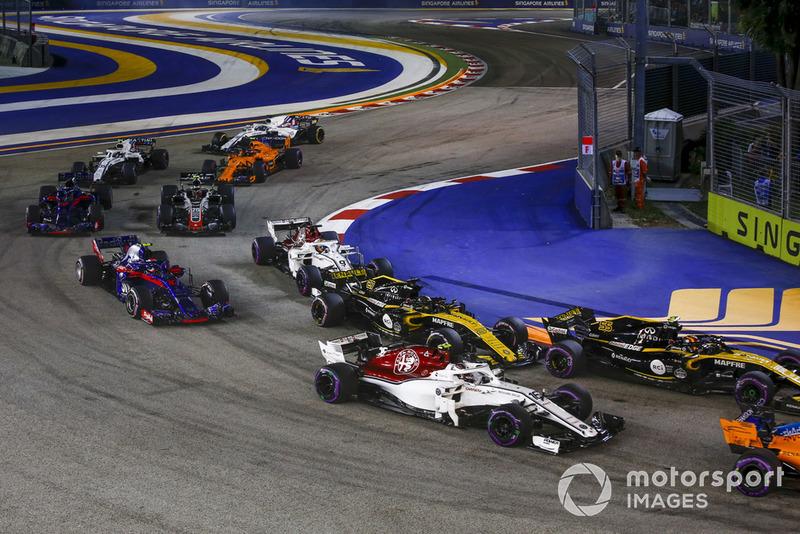Charles Leclerc, Sauber C37, Carlos Sainz Jr., Renault Sport F1 Team R.S. 18, Nico Hülkenberg, Renault Sport F1 Team R.S. 18, Marcus Ericsson, Sauber C37 i Pierre Gasly, Scuderia Toro Rosso STR13