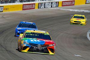 Kyle Busch, Joe Gibbs Racing, Toyota Camry M&M's and Ross Chastain, Premium Motorsports, Chevrolet Camaro Xchange of America