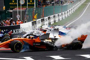 L'accident de Fernando Alonso, McLaren MCL33, Charles Leclerc, Sauber C37, et Nico Hulkenberg, Renault Sport F1 Team R.S. 18, au départ