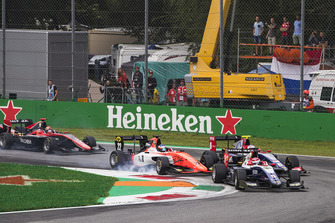 Pedro Piquet, Trident, Richard Verschoor, MP Motorsport, Giuliano Alesi, Trident at the start.